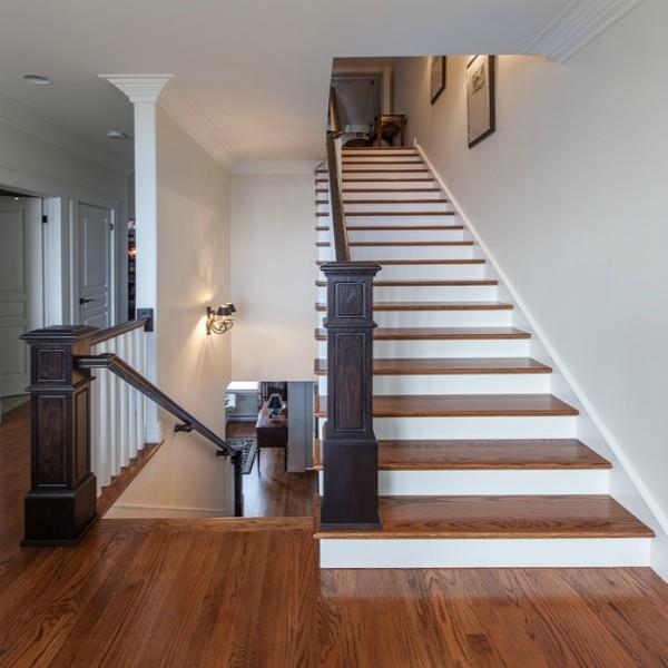 घर की सीढ़ियों का गलत दिशा में होना पड़ सकता है भारी