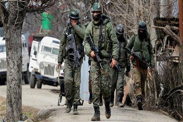 पुलवामा में मुठभेड़ के दौरान सुरक्षाबलों ने मार गिराया एक आतंकी