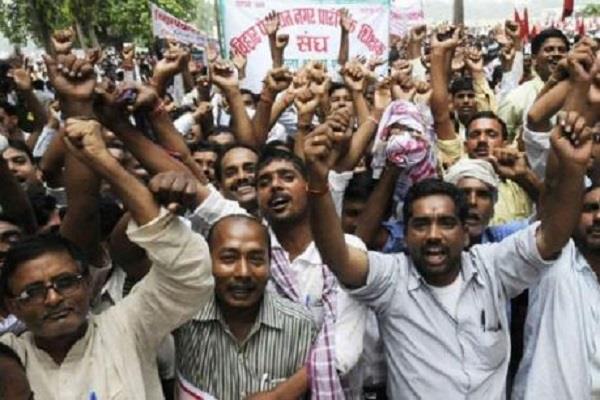 बढ़ सकती हैं सरकार की मुश्किलें, 1 फरवरी से हड़ताल पर जाएंगे नियोजित शिक्षक