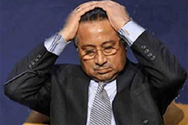 मुशर्रफ का 'महागठबंधन' दूसरे दिन ही बिखरा