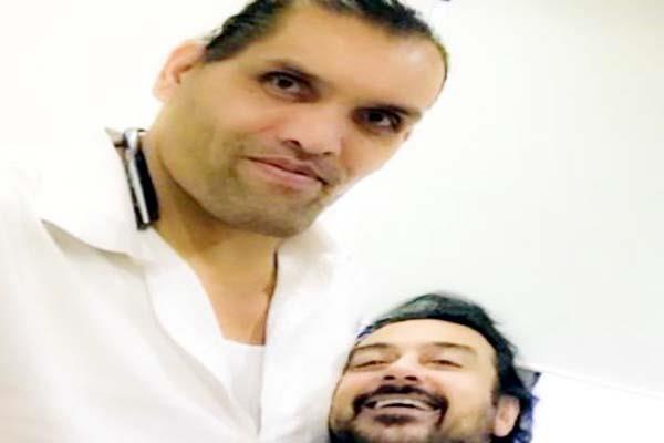 जब खली के साथ सैल्फी लेना अदनान सामी के लिए बना चुनौती