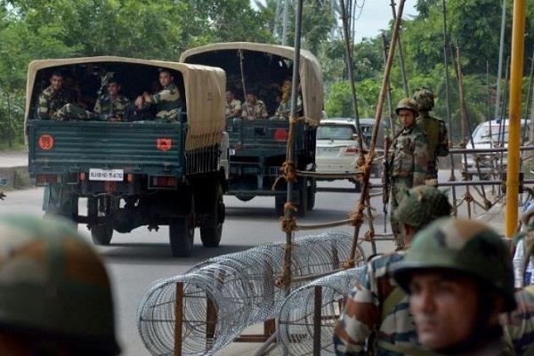 जम्मू कश्मीर में लश्कर-ए-तैयबा का पाक आतंकी गिरफ्तार