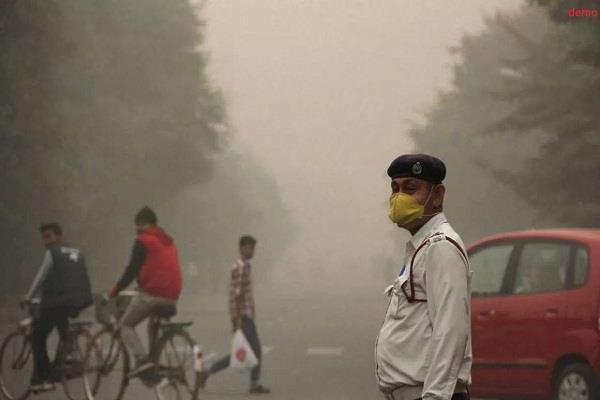 दिल्ली में प्रदूषण पर उच्चतम न्यायालय सख्त, पंजाब सहित 4 राज्यों को नोटिस
