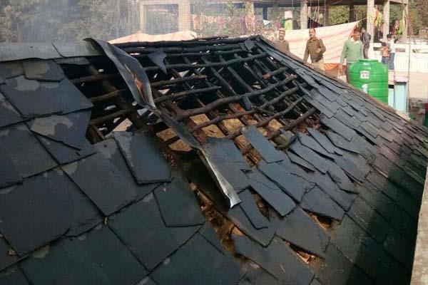 गऊशाला में आग, 50 हजार का नुक्सान