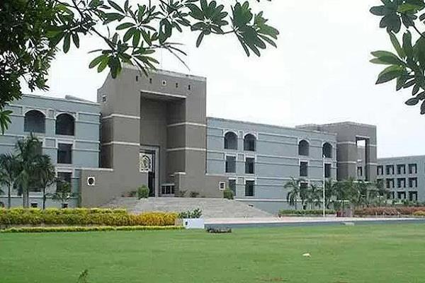 गुजरात उच्च न्यायालय ने चुनाव एजेंट नियुक्ति संबंधी चुनाव आयोग के निर्देश पर रोक लगाई