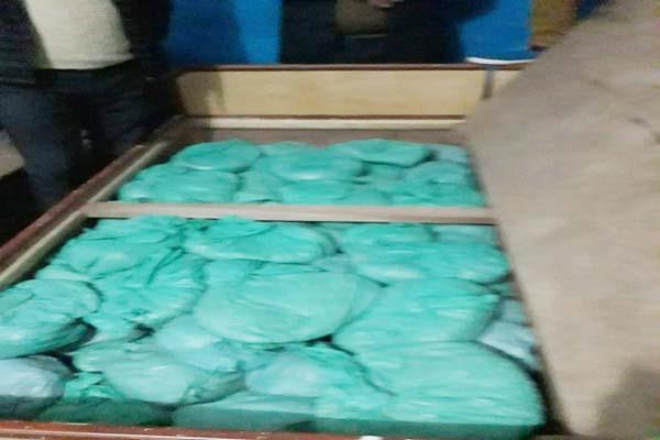बैड बॉक्स व पशुशाला में मिला 200 किलो चूरा-पोस्त