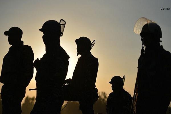 पाक ने दिखावे के लिए पहली बार सीमा पर बढ़ाई सुरक्षा, बोला-मुझे भारत से खतरा
