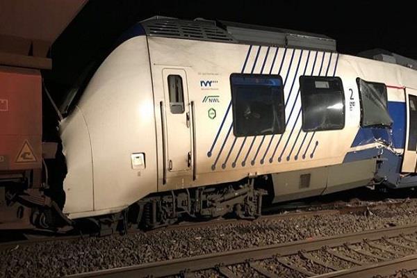 जर्मनी: भीषण ट्रेन हादसे में 50 लोग घायल