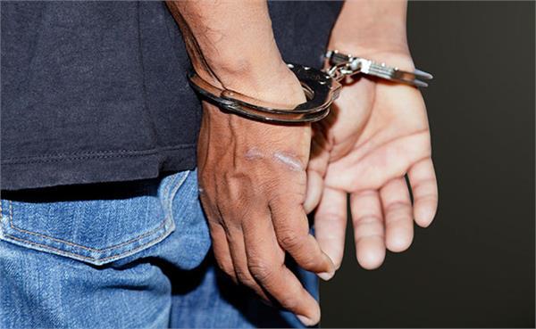 89 पेटी हरियाणा मार्का शराब के साथ कैदी सहित 2 सगे भाई काबू