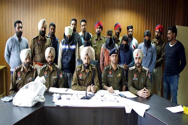 जिला परिषद सदस्य पर हमला करने वाले भारी असले सहित गिरफ्तार