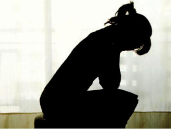 थानेदार पर महिला से दुष्कर्म का मामला दर्ज
