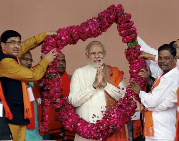 गुजरात: थम गया पहले चरण का चुनाव प्रचार,10 हजार कार्यकर्त्ताओं से फोन पर जुड़ेंगे PM