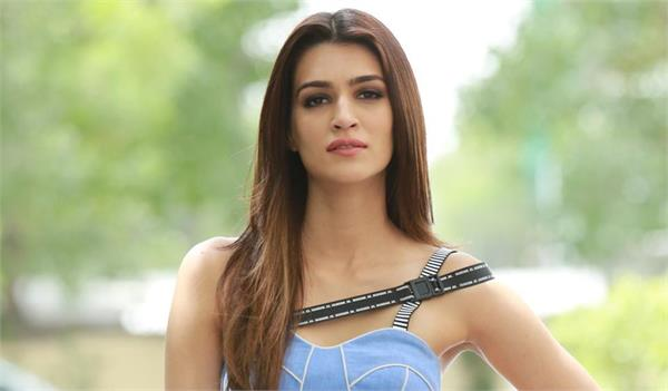 kriti sanon excited about with diljeet