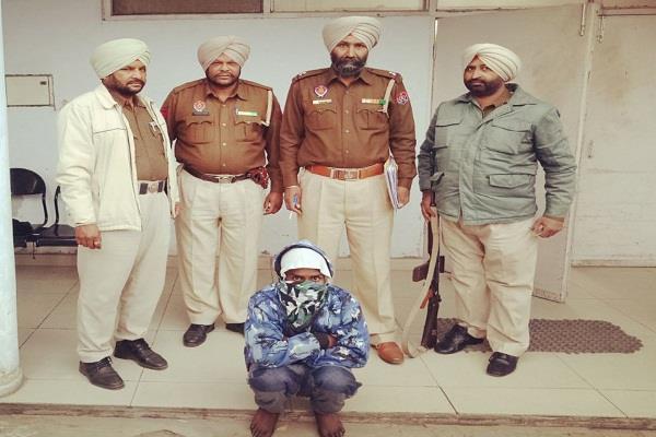 विभिन्न मामलों में 2 व्यक्ति गिरफ्तार