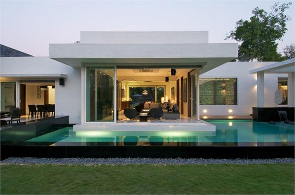 रिटायरमेंट के बाद इस आलीशान घर में रहते है रतन टाटा, देखिए तस्वीरें