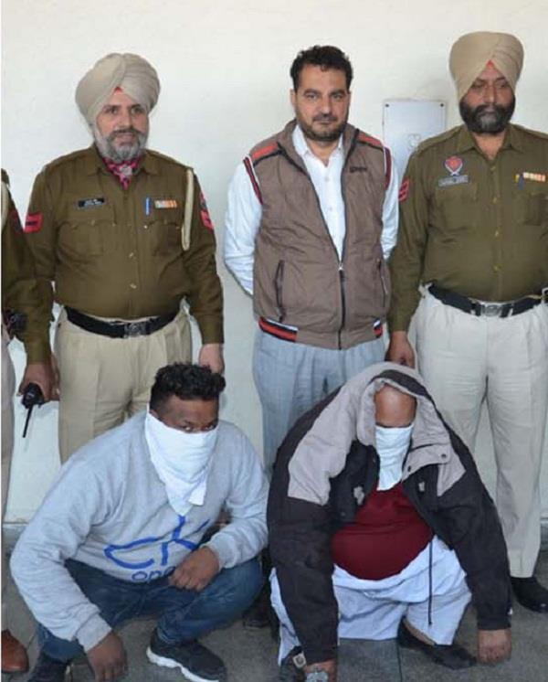 गन प्वाइंट पर लूटपाट करने वाला गैंगस्टर निशान सिंह साथी सहित गिरफ्तार