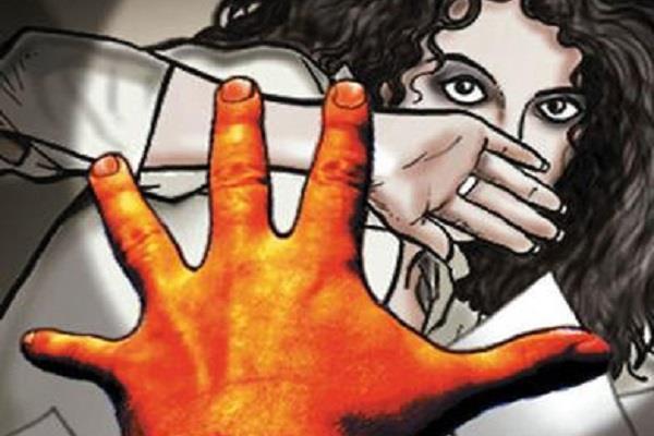 लड़की अपहरण का मामला, परिवार बोला-कोई हमारी भी सुन लो
