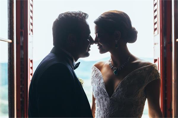 surveen chawla marriage instagram