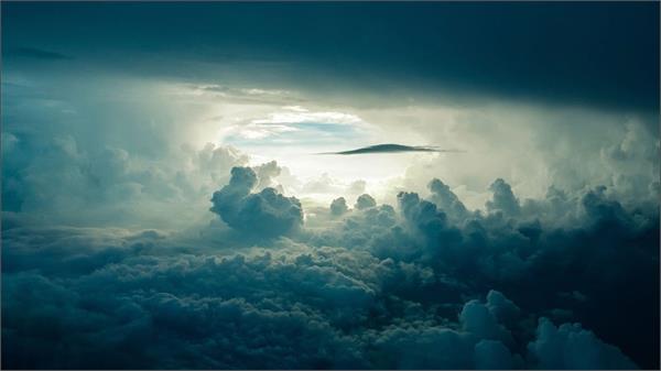 आसमान में रहस्यमयी बादलों को लेकर हुआ खुलासा