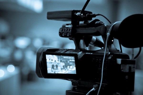 स्कूलों में नकल की शिकायतों पर शिक्षा विभाग सख्त, मासिक टेस्ट के दौरान होगी वीडियोग्राफी