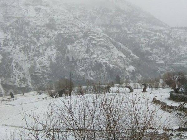 देश-दुनिया से 6 माह के लिए कटे इस घाटी के लोग, बर्फबारी में खामोश हैं वादियां