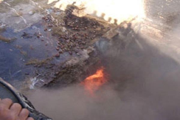 गोदाम को लगी आग, 3000 मछली वाले बॉक्स जल कर राख