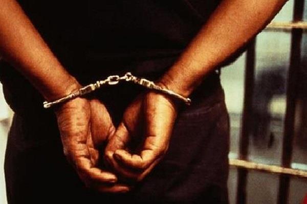 किशोरी से छेड़छाड़ कर जान से मारने की धमकी देने का एक आरोपी गिरफ्तार