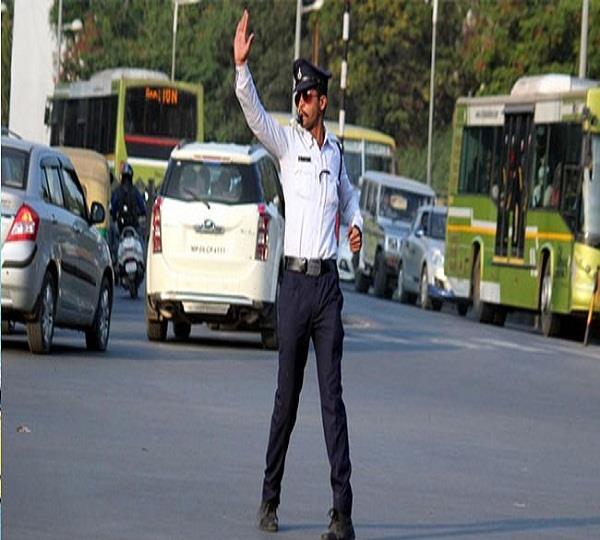 विदेश जाने के इच्छुक नौजवानों को ट्रैफिक नियमों का उल्लंघन करना पड़ेगा महंगा