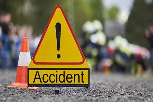 दर्दनाक सड़क हादसे में 1 की मौत, 2 गंभीर घायल