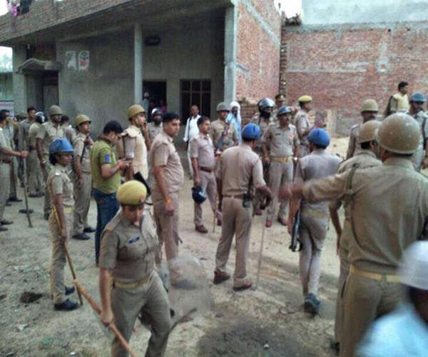 यूपी के इस जिले की दरगाह शरीफ में लूट व छेड़छाड़, 75 लोगों पर मामला दर्ज
