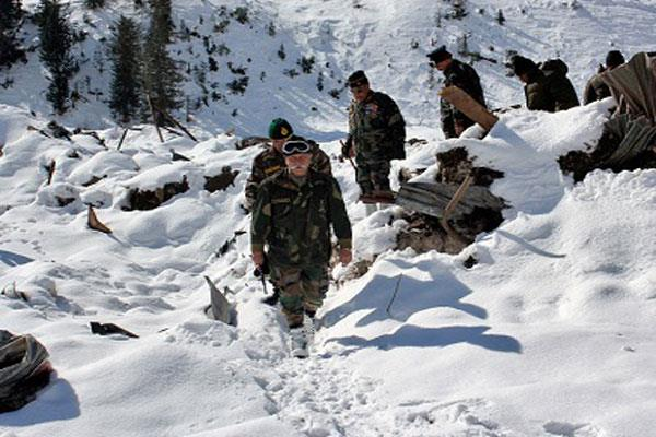 कश्मीर में लापता सैनिकों का कोई पता नहीं