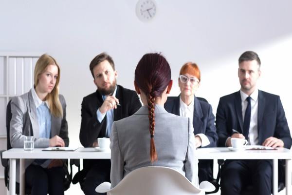 इंटरव्यू के दौरान की गई ये गलतियां पड़ सकती है भारी