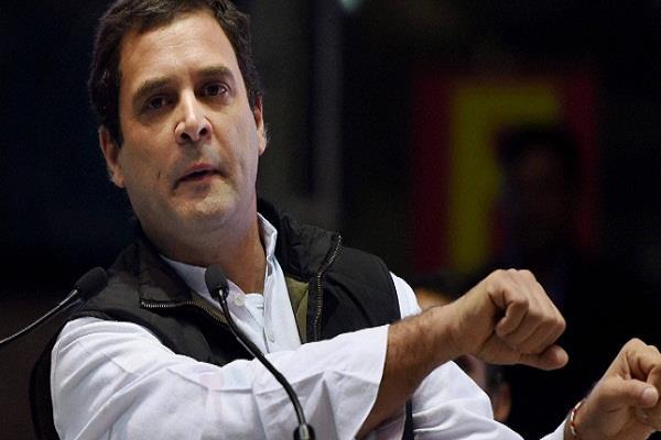 गुजरात चुनाव: क्या कांग्रेस भाजपा के गढ़ सूरत में सेंध लगा पाएगी?
