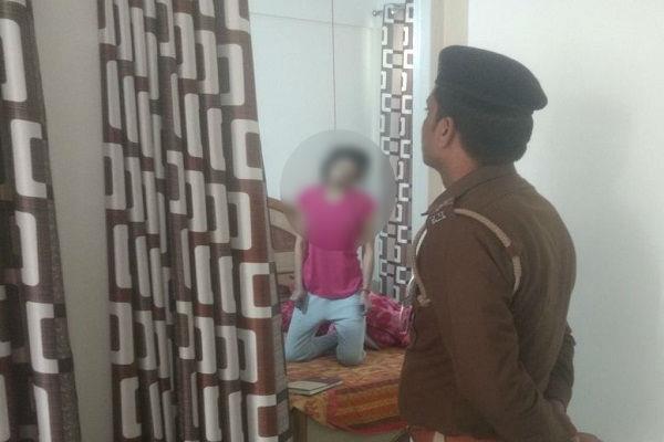 महिला सिपाही ने लगाई फांसी, दो पन्नों के सुसाईड नोट में लिखा- ससुराली जिम्मेदार