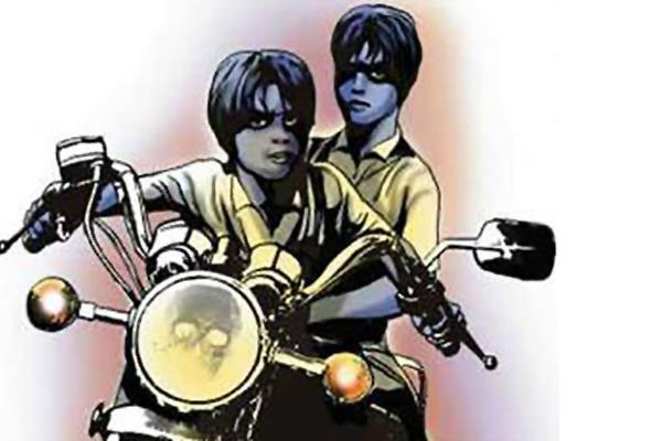 चोरी की बाइक पर पल्लेदार से छीने 9 हजार रुपए, केस दर्ज