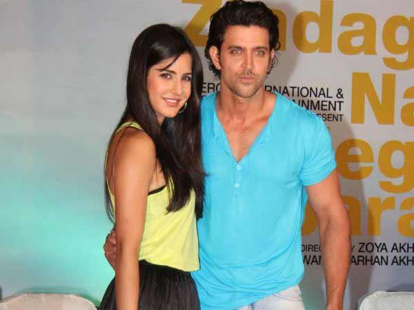 katrina kaif ignores hrithik roshan at a award ceremony