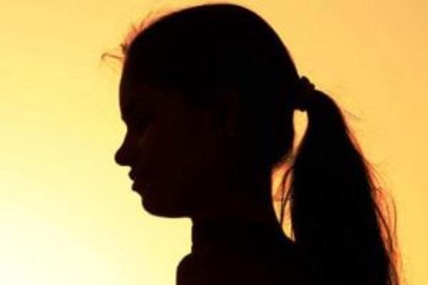 कश्मीर से लापता युवती मुंबई में मिली