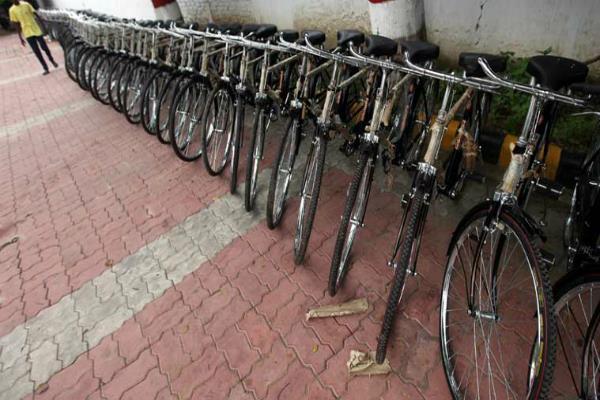 स्टील महंगा होने से साइकिल बिक्री पर पड़ा असर
