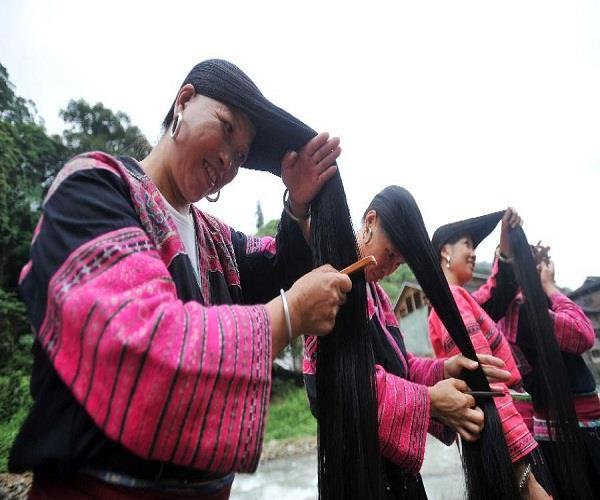 अनोखा गांव, जहां की महिलाओं के हैं सबसे लंबे बाल!