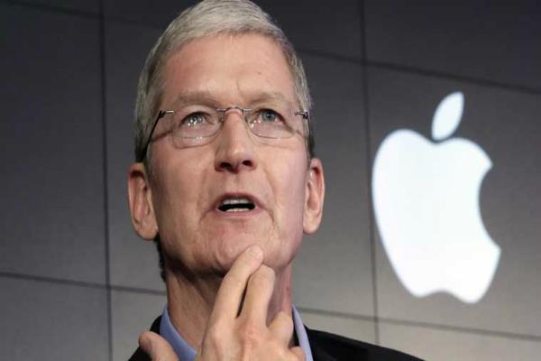 iPhone की बिक्री घटी तो Apple ने काट ली CEO की सैलरी