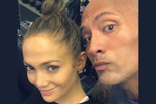 जेनिफर लोपेज के साथ WWE के 'The Rock' की फोटो हुई वायरल