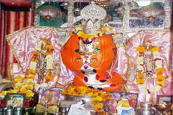 दुनिया का एकमात्र गणेश मंदिर, जहां परिवार संग विराजमान हैं गणपति बप्पा (Pics)