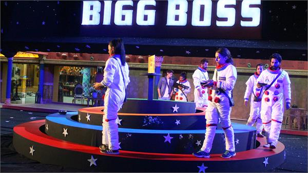 manveer gets ticket for bigg boss grand finale