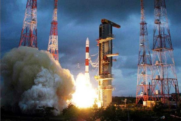 एक साथ 104 उपग्रह प्रक्षेपित करके 'इसरो' ने रचा इतिहास