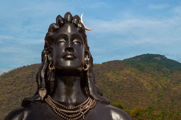 कोयम्बटूरः PM माेदी ने किया 112 फीट ऊंची शिव प्रतिमा का अनावरण