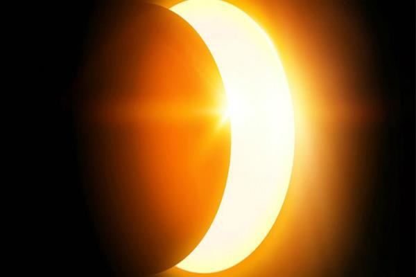 सूर्य ग्रहण कल: जनधन की हानि के संकेत, जानें आप पर पड़ने वाले प्रभाव