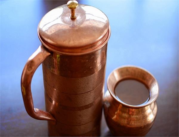 इन 6 कारणों से रोज पीएं तांबे के बर्तन का पानी