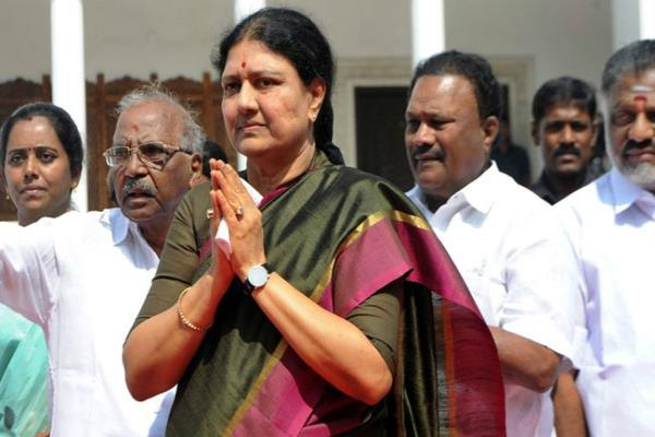 तमिलनाडु: शशिकला के मुख्यमंत्री बनने की अटकलें तेज, विधायकों की बैठक में होगा फैसला