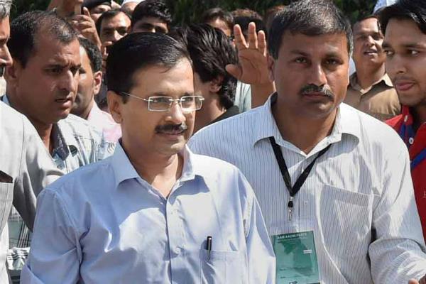 केजरीवाल सरकार के 2 साल-रिपोर्ट कार्ड जारी करेंगे आप मंत्री, दिल्लीवासी नाखुश