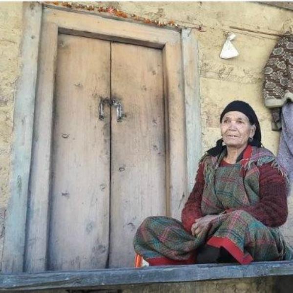80 साल की चतरी देवी के लिए चित्र परिणाम